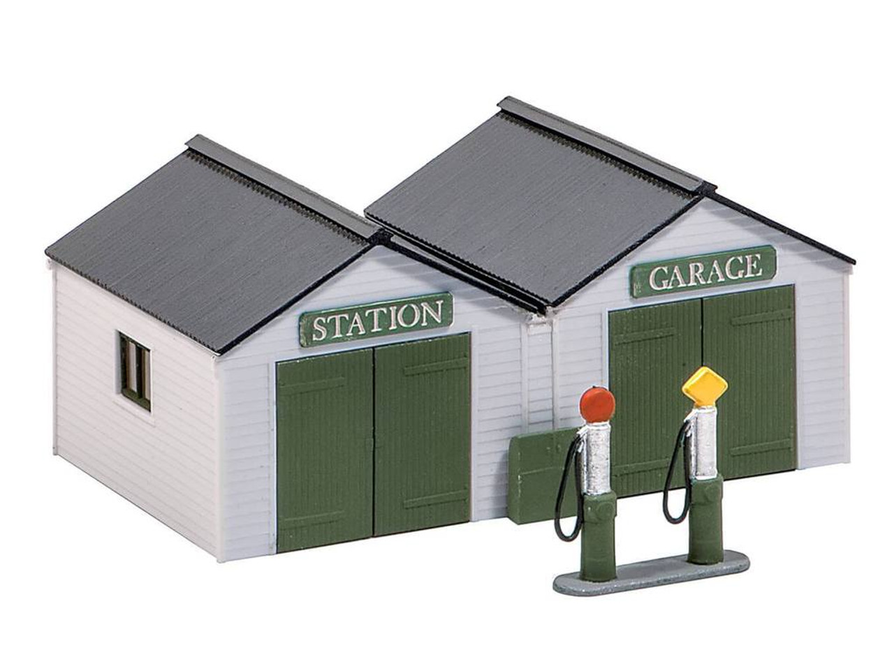 Wills Kits Scenic Series SS12 Station Garage with Pumps OO/HO Lineside Accessories
