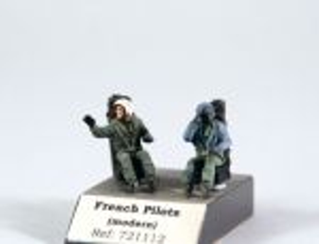 PJ Productions 2x French pilots seated in a/c modern Figures 1:72