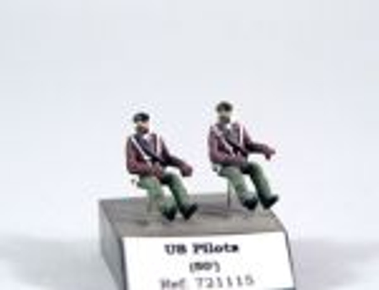 PJ Productions 2x USAF pilots seated in a/c 50s Figures 1:72