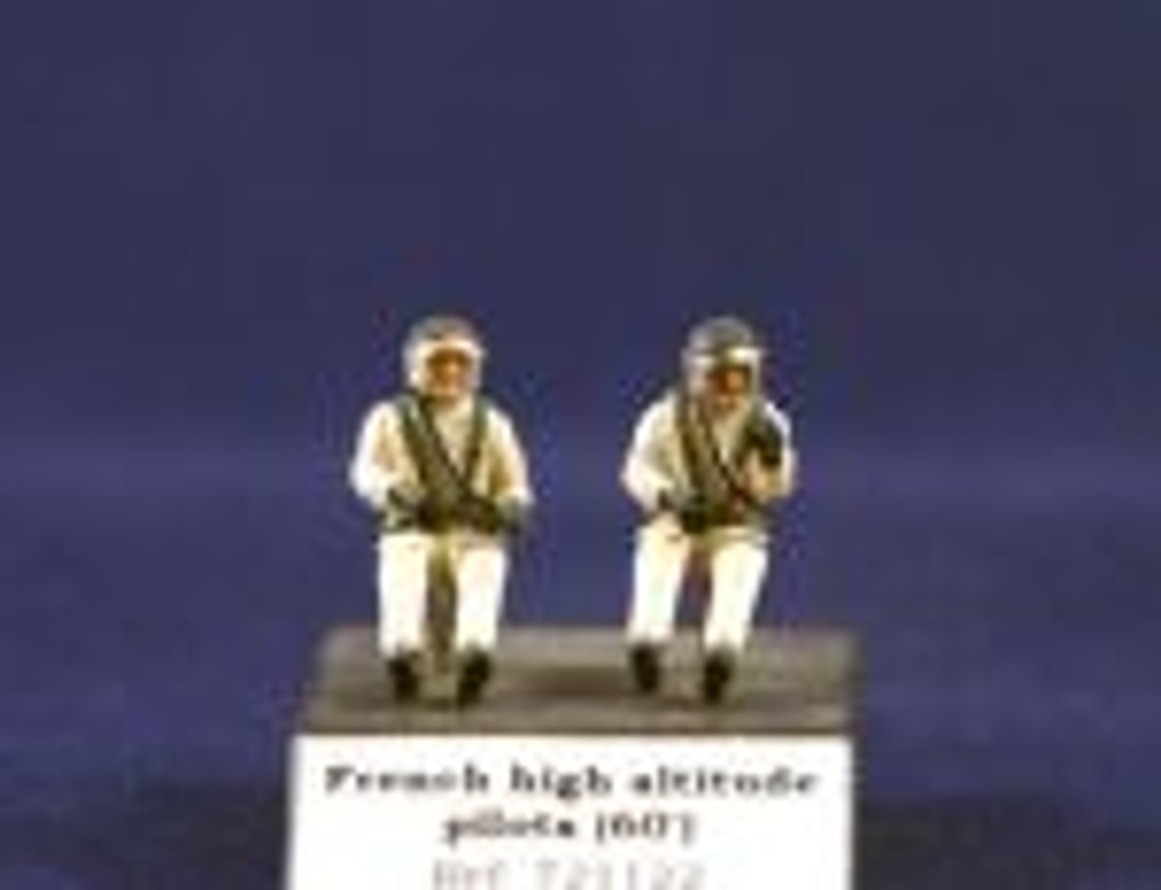 PJ Productions 2x French high altitude pilots seated in a/c 60s Figures 1:72