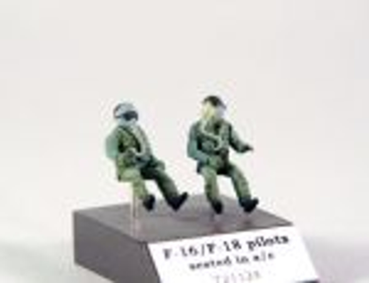 PJ Productions resin accessories : 2x F-16/F-18 pilots seated in a/c