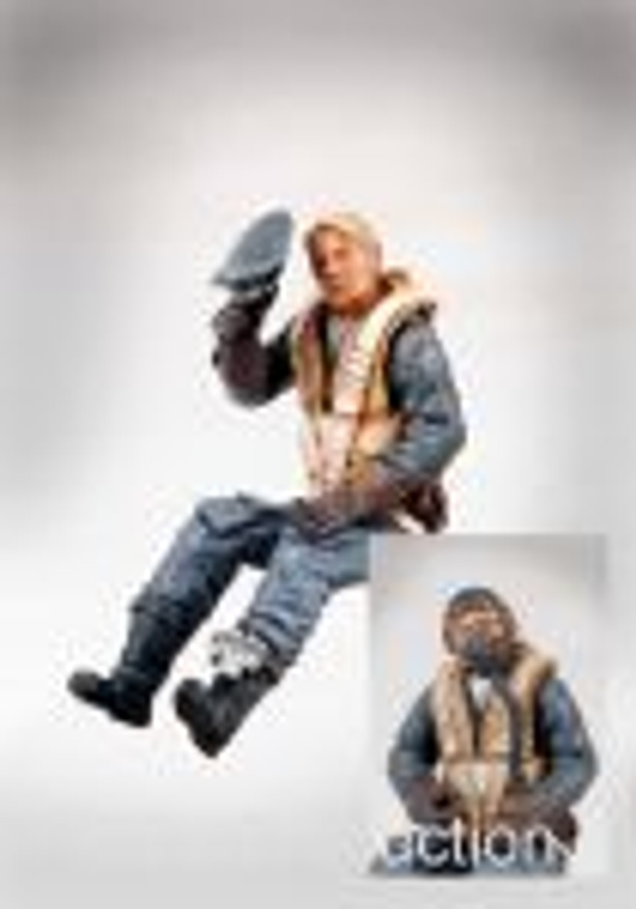 PJ Productions German pilot seated in a/c (WW2) (Figures 1:32)