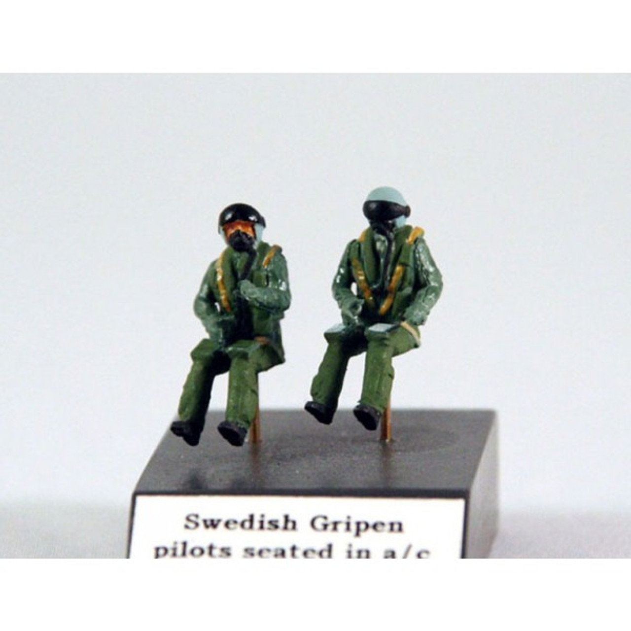 PJ Productions 2x Modern Swedish pilots seated in aircraft (Figures 1:72)