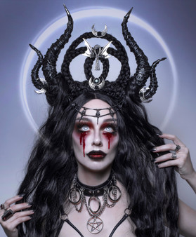 Lilith gothic headpiece - Succubus Queen headdress - Black maleficent horns -  Headpiece with braids