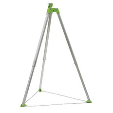7 Ft Tripod with Chain & Pulley CSA, Type 3 PeakWorks TR-100