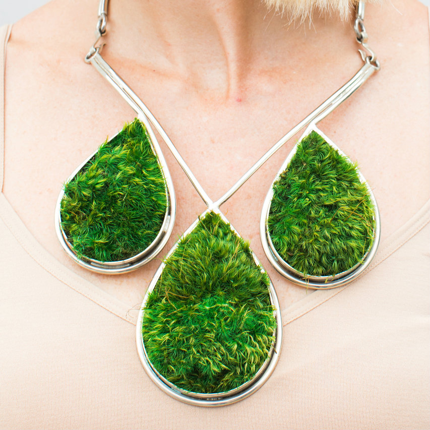 Isabel Englebert + Plant the Future Silver Necklace - Moss Teardrop Trio MOSS