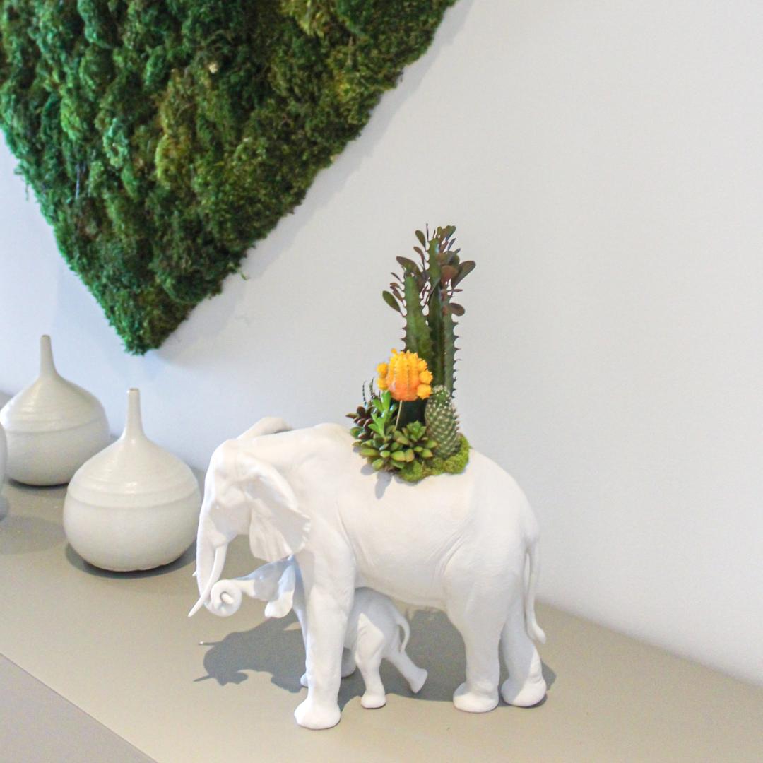 Lladro - Elephant Garden