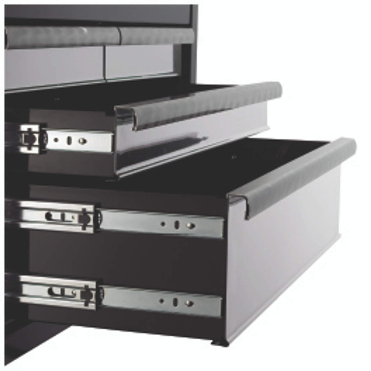 GEARWRENCH 83159N 26″ 7 Drawer Chest – Black / Silver