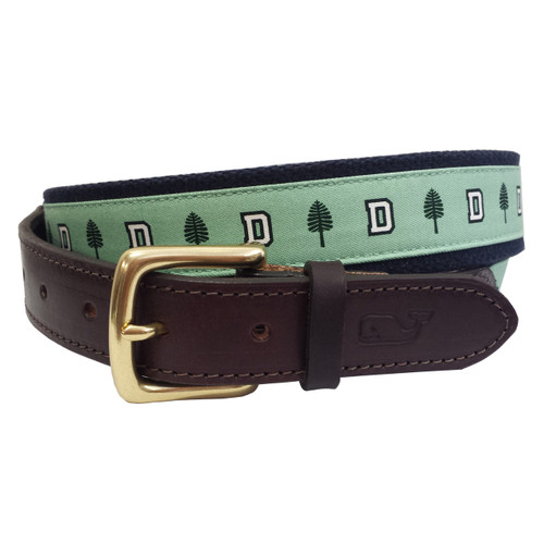 Vineyard Vines leather belt with 'D' and lone pine