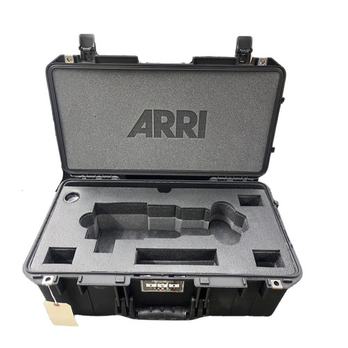 ARRI SIGNATURE ZOOM 45-135mm Lens Support, Leveler, Rods and AKS