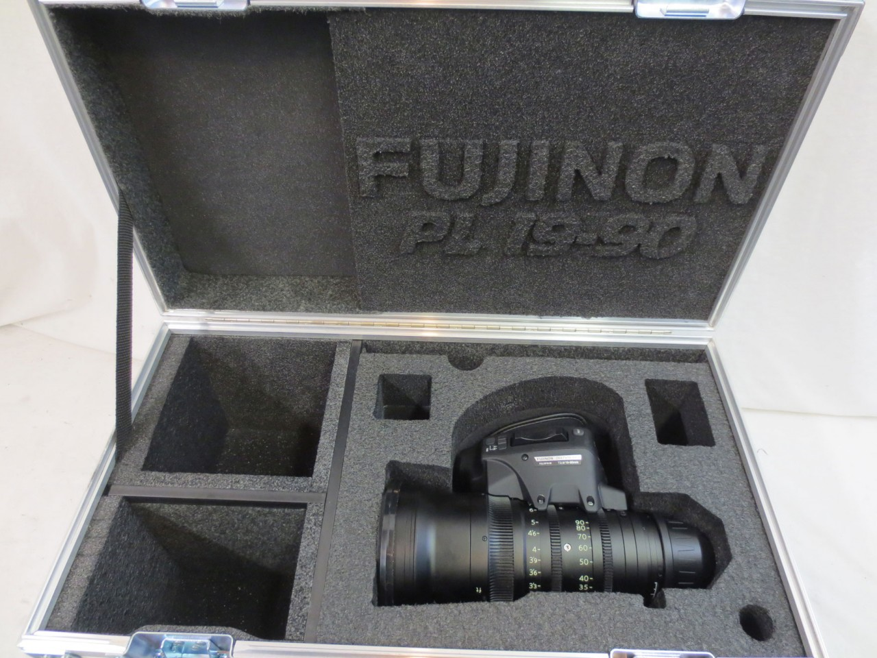Fujinon 19-90 T2.9 Cabrio Zoom Lens with LMB 5 Matte Box Shipping Case