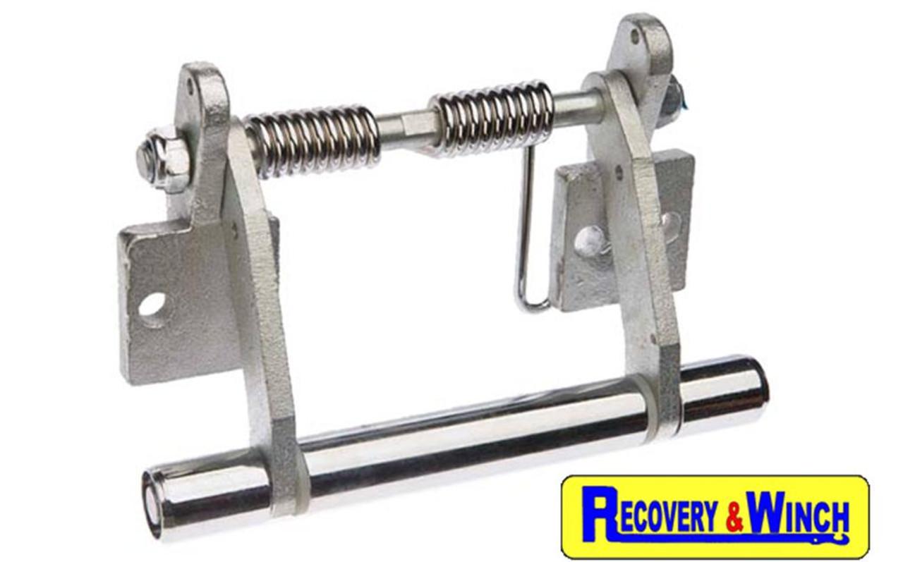 Warrior RV10000 hydraulic winch rope tensioner included.