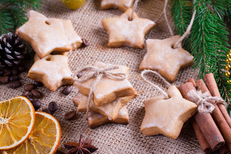 How to Host a Healthy Holiday Cookie Soiree