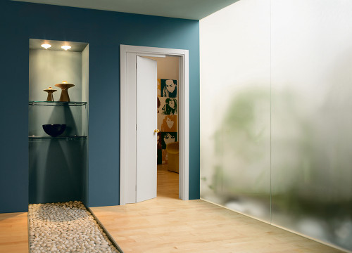 The Novanta has a single door, part of which slides back into a pocket and part of which opens as a hinged door.