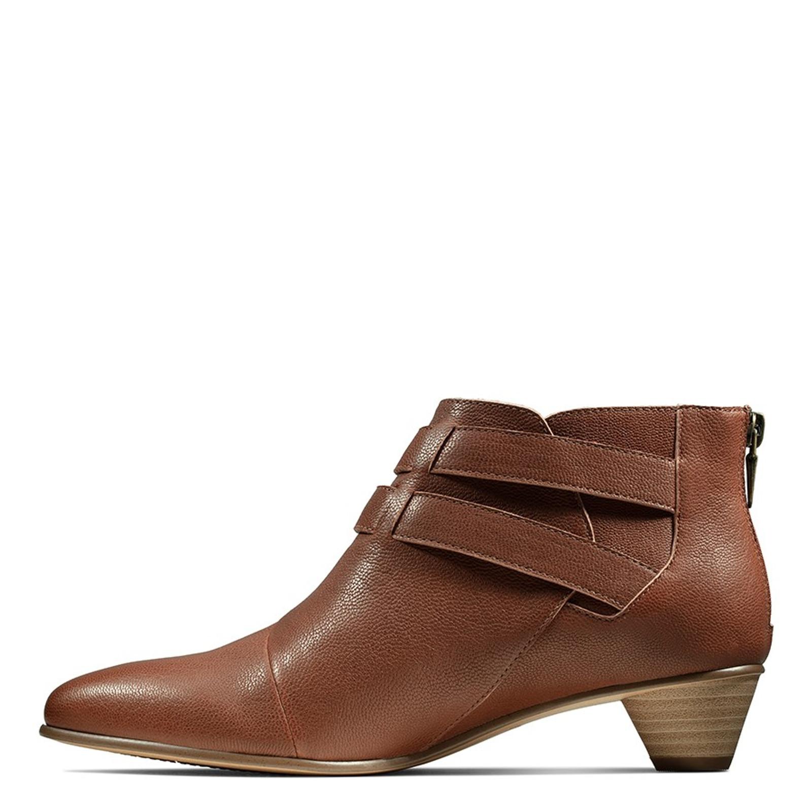 Clarks Womens MENA SAGE Tan Leather