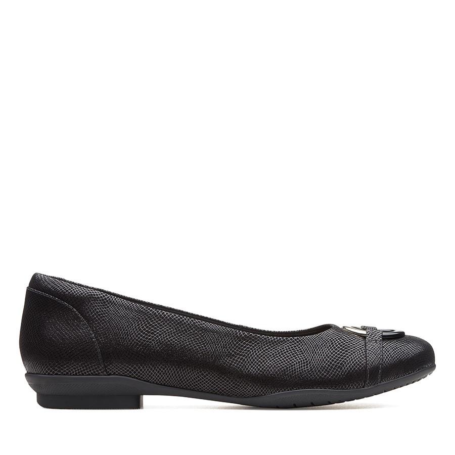 Clarks Neenah Vine Black Interest Leather