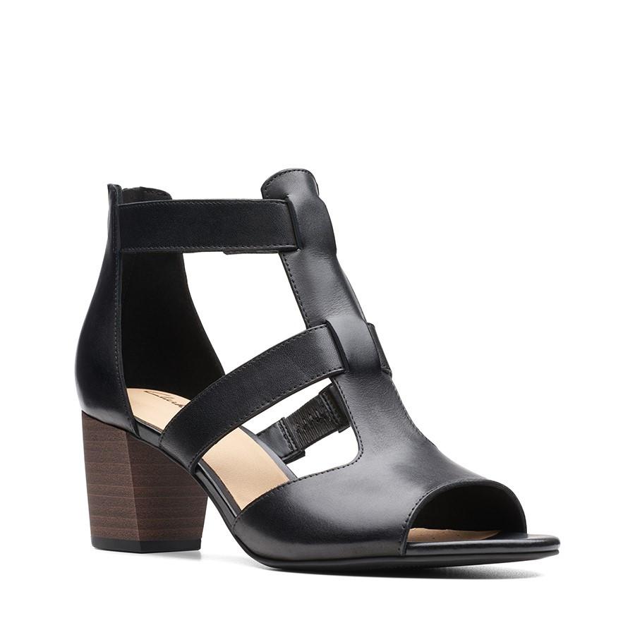 Clarks Deloria Fae Black Leather
