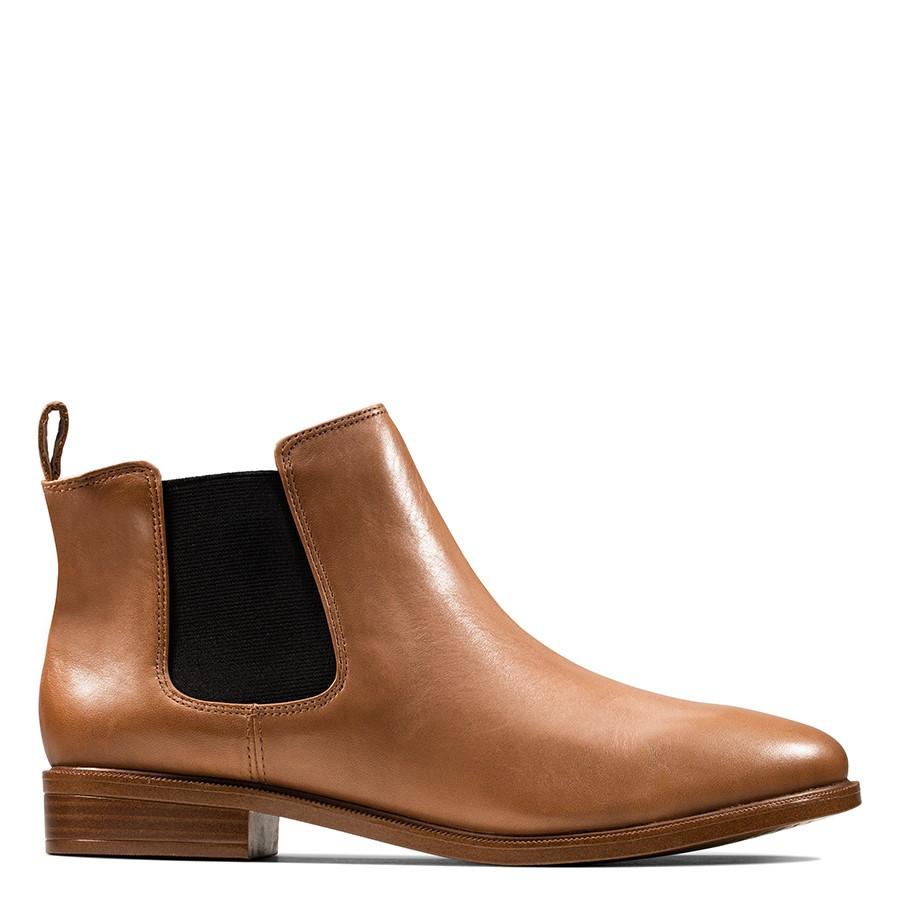 Clarks Taylor Shine Tan Leather