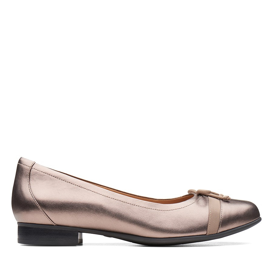 Clarks Un Blush Cap Pebble Metallic Leather