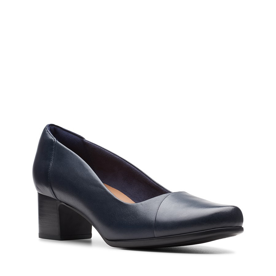 Clarks Un Damson Step Navy Leather