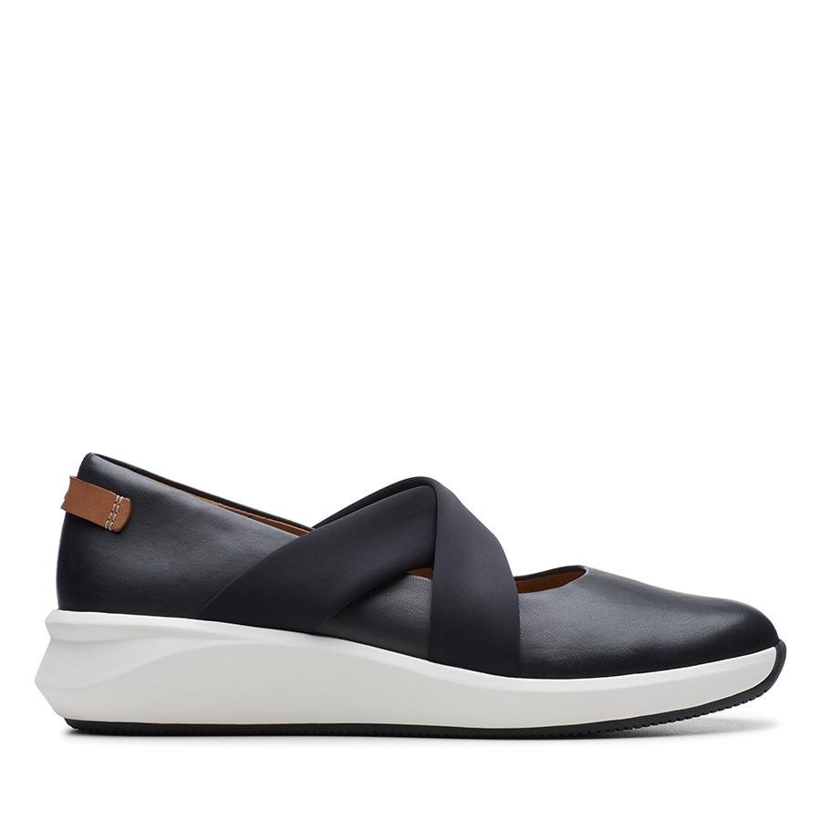 Clarks Un Rio Cross Black Leather