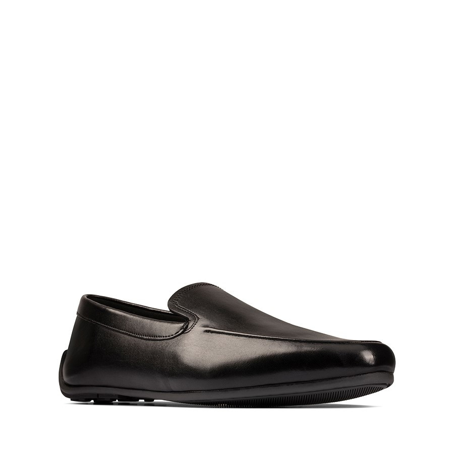 Clarks Reazor Plain Black Leather