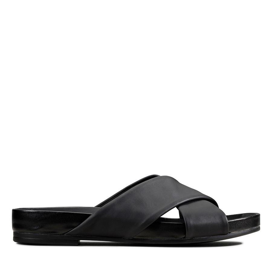 Clarks Pure Cross Black Leather