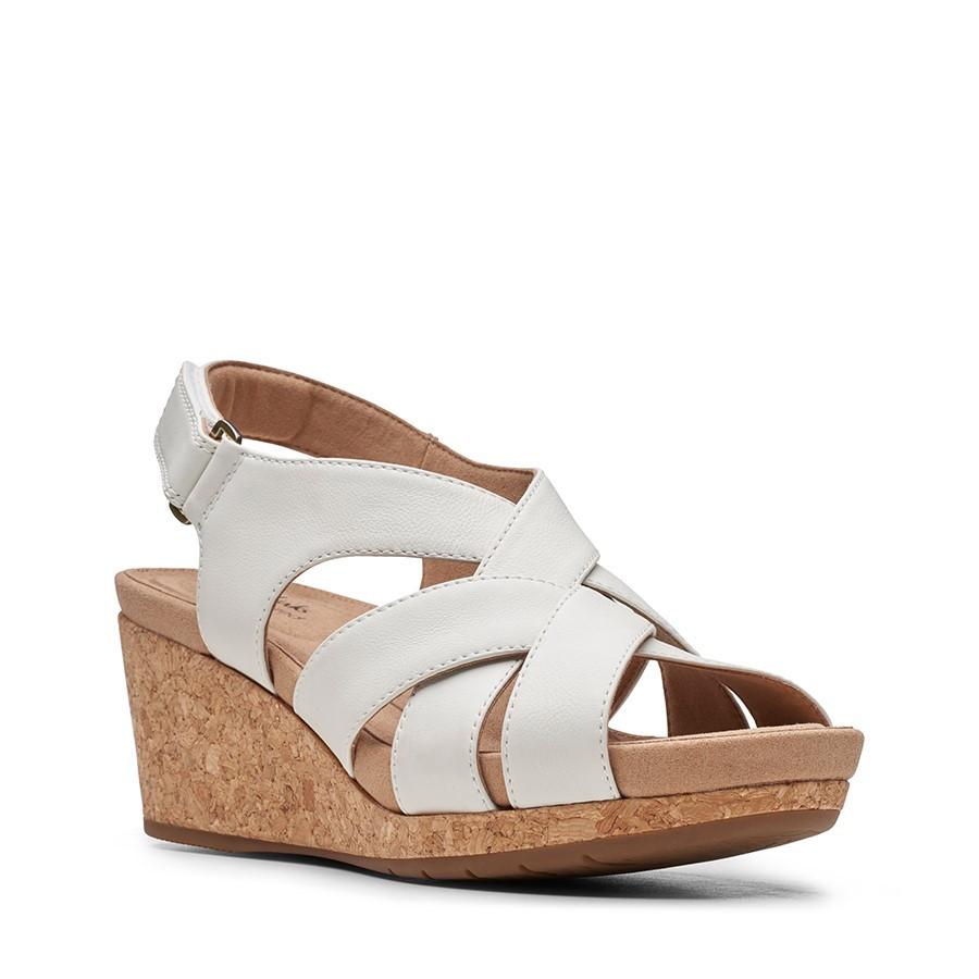 Clarks Un Capri Step White Leather