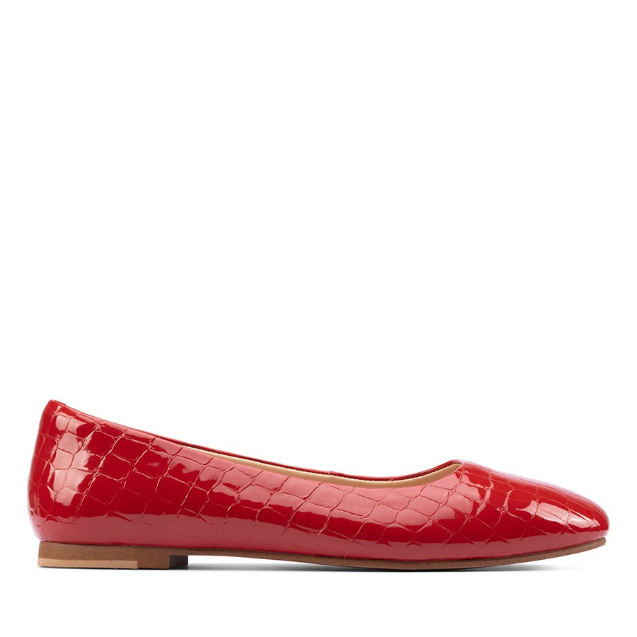 Clarks Pure2 Pump Red Croc Patent