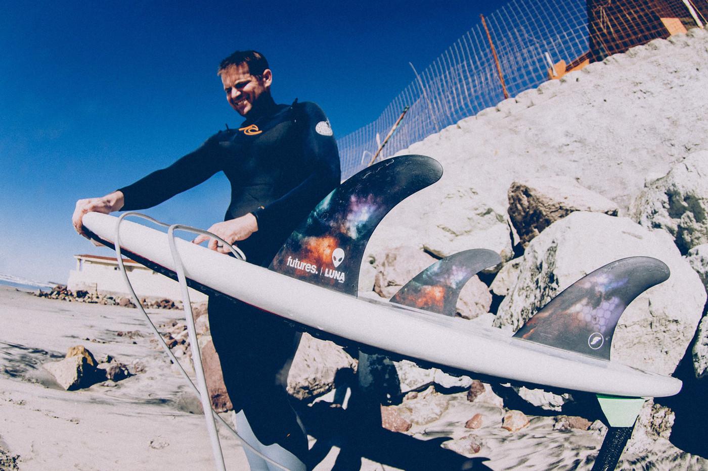 Huntington Beach surf legend Timmy Turner riding Lunasurf thruster set in Baja, Mexico