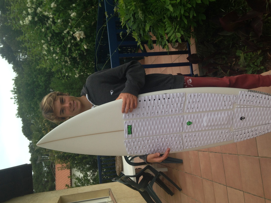 13 year old French grom Nolan Poirier - 'all white LUNASURF FULL DECK GRIP' setup - (6 piece front foot pad with 3 piece no arch tailpad) - Capbreton, France