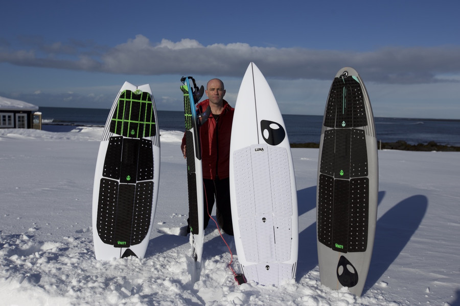 Ian Battrick - camped out in the snow - Lunasurf full deck grip. 6 piece front foot traction in black and in white.