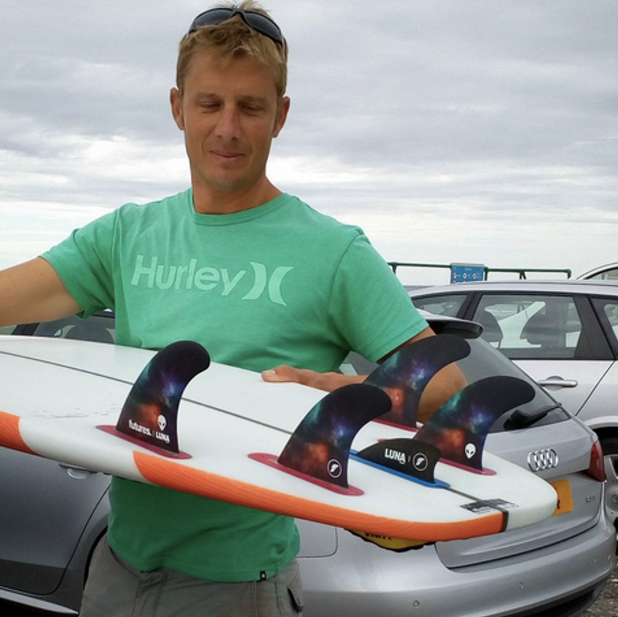 Ross Garrard with the Lunasurf 5 fin