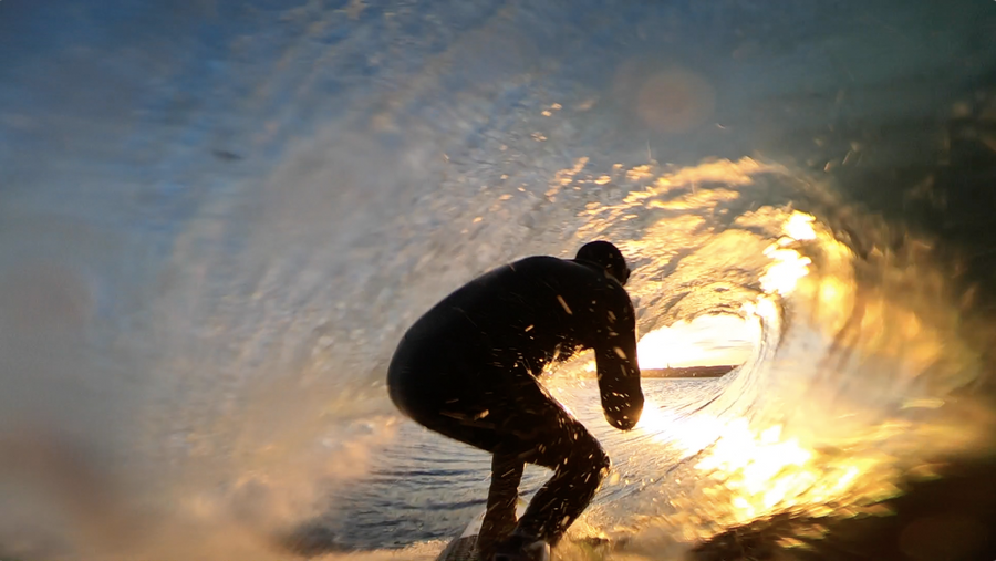 The Lunasurf quad fins love the barrel.