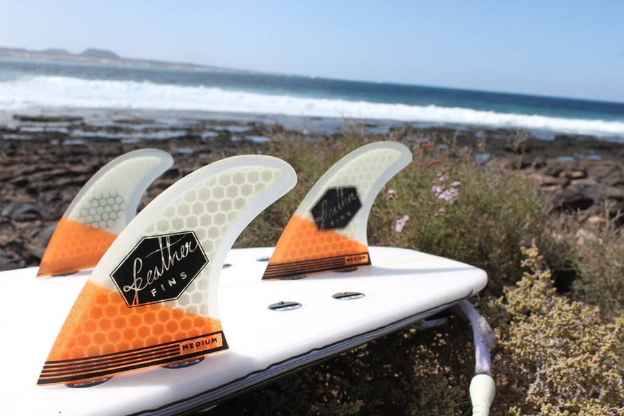 Feather fins Ultralight thruster fins Large in Orange and White FCS