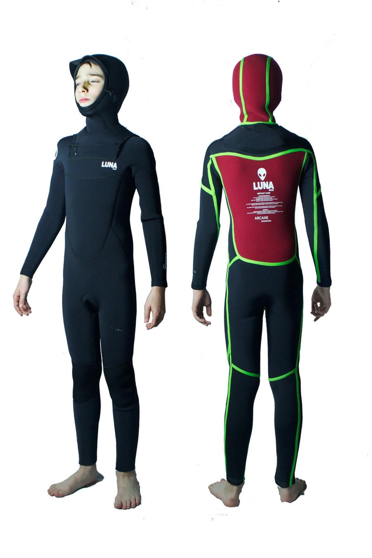 Unisex Childrens Lunasurf 6.4mm hooded wetsuit.