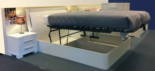 QUEEN (BE-616) PARAMOUNT BED - HIGH GLOSS BLACK (NOT AS PICTURED)