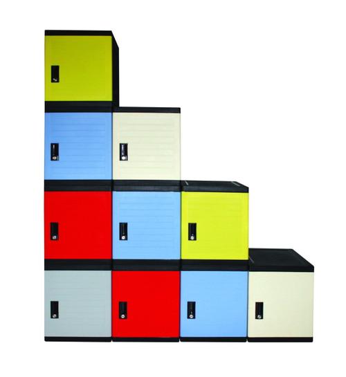 Image shows combined Franziska-Carina Cubes