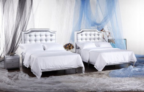 KING MILES (G957#) LEATHERETTE BED WITH CRYSTALS (1 X BED ONLY) - ASSORTED COLOURS AVAILABLE