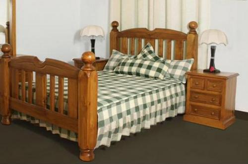 KING BORON BED (MODEL - 23-9-14-38-5-19-12-5-18)  - CHESTNUT OR WALNUT