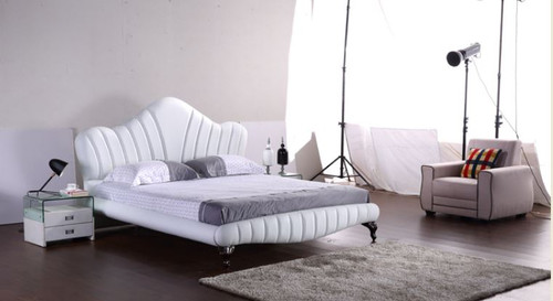 QUEEN  ASHLEY LEATHERETTE BED (G1067#) - ASSORTED COLORS