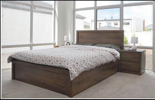 ALICIA QUEEN 3 PIECE BEDSIDE BEDROOM SUITE  - WITH BAILEE/CASEY CASEGOODS - ANTIQUE OAK