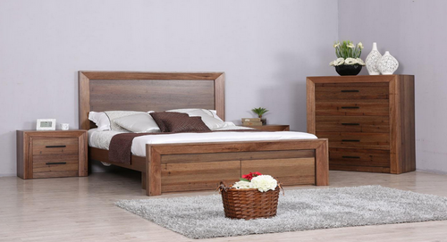 BERKSHIRE QUEEN 4 PIECE TALLBOY  BEDROOM SUITE - WORMY OAK