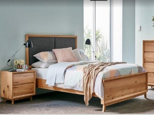 QUEEN BOSTON TIMBER BED  - AS PICTURED
