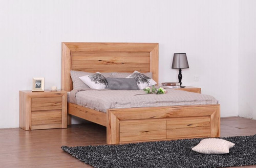 QUAKERS  KING 5 PIECE (DRESSER)  HARDWOOD BEDROOM SUITE - (MODEL:12-25-15-14) -  AS PICTURED)