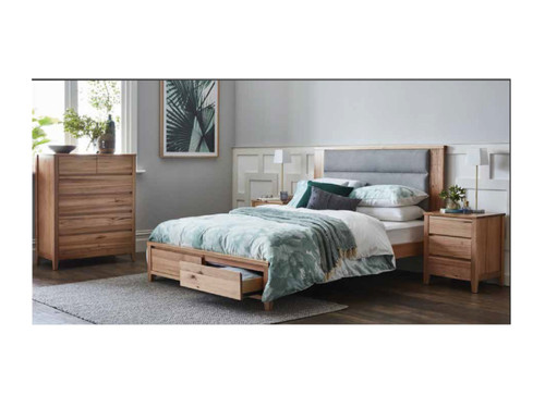 GORDONDALE KING 4 PIECE (TALLBOY) BEDROOM SUITE - AS PICTURED
