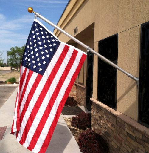 Heavy Duty Outrigger Flagpole Kit With Free Flag