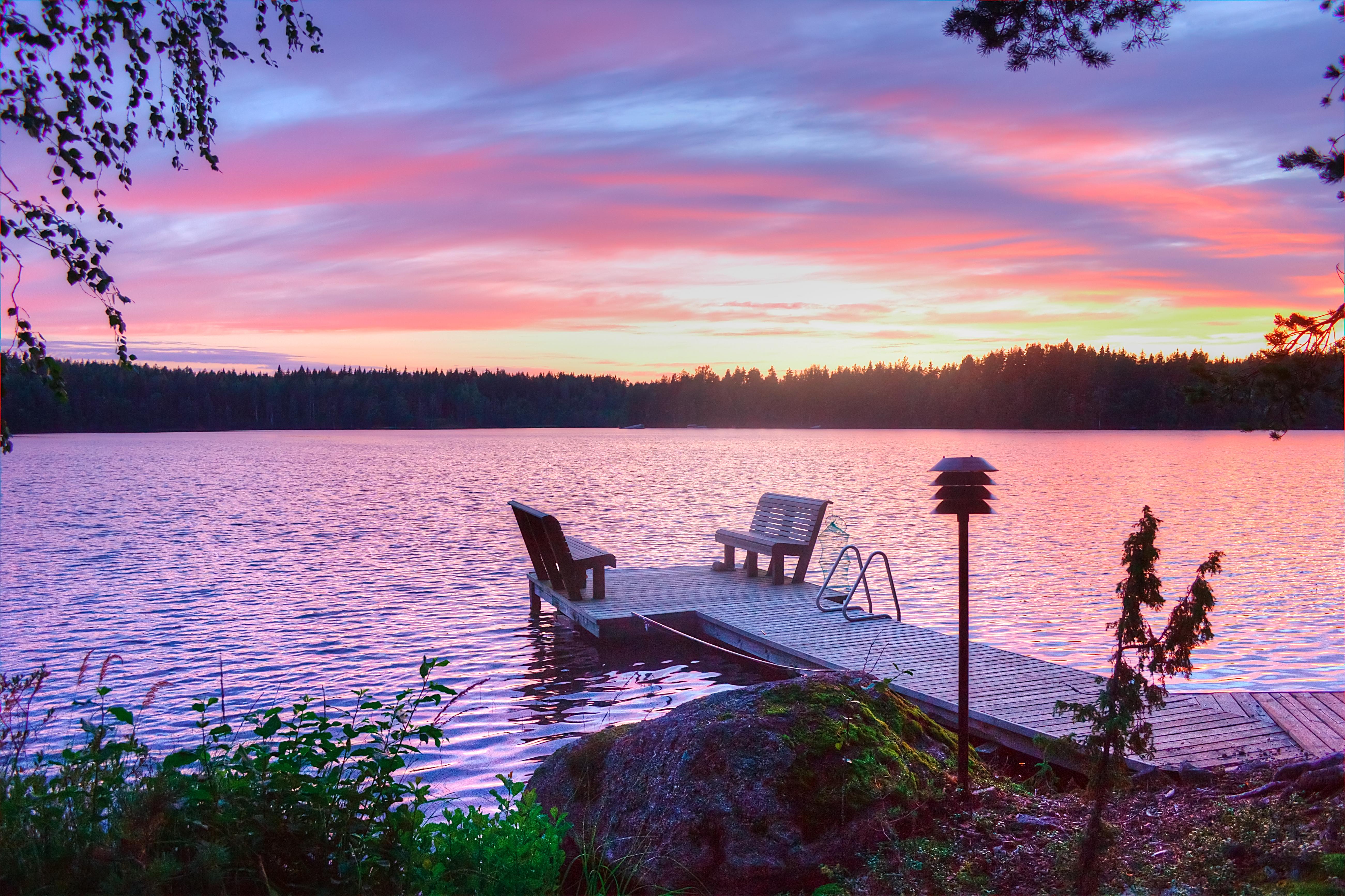 cw-1101-sunrise-on-lake-with-sitting-pier.jpg