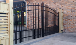 Style A Aluminum Driveway Gate