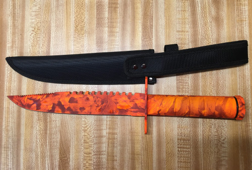 HUNTER'S CAMO SURVIVAL KNIFE
